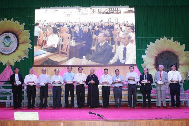 Ban tổ chức giải Văn Hóa Nghệ Thuật Đất Mới - giáo phận Xuân Lộc