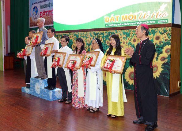 Buổi Lễ Trao Giải và Mừng 10 Giải Văn Hóa Nghệ Thuật Đất Mới 2011 - 2020 - Giáo phận Xuân Lộc