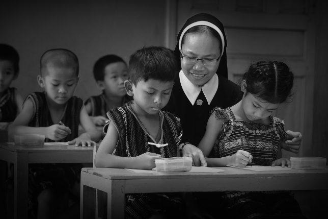 Tác phẩm TÌNH THƯƠNG CÁI CHỮ | Tác giả: Phêrô Lê Anh Tuấn - Đắc Nông